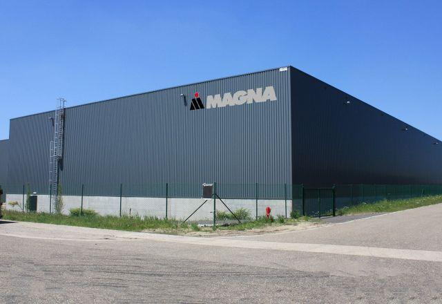 Eine Halle des Unternehmens Magna.