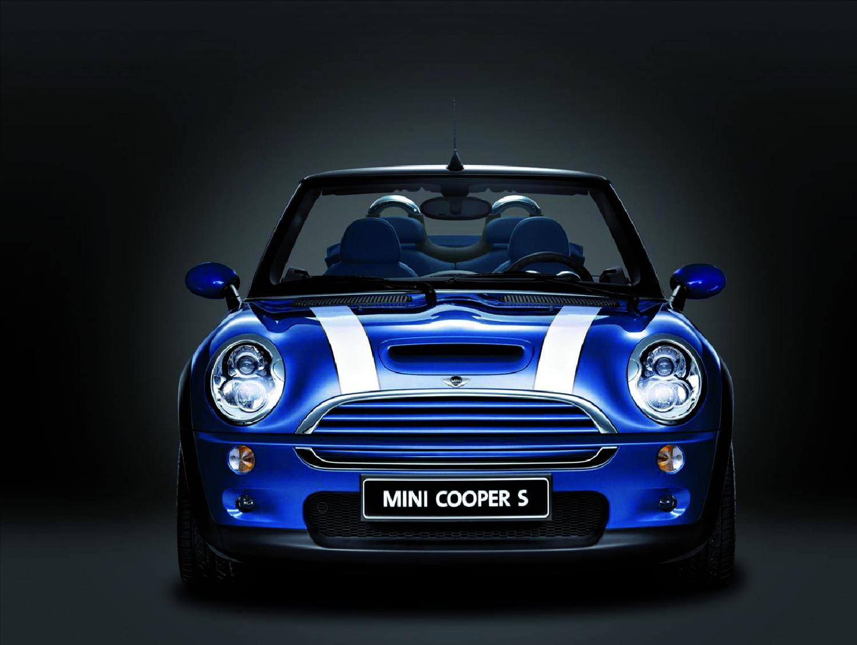 Mini Cooper von BMW in blau.