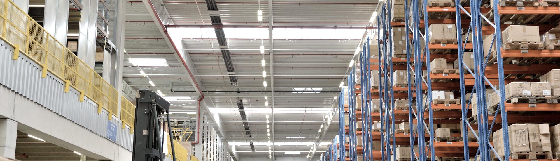 Hallenheizung für Industrie, Gewerbe und Logistik von Schwank.